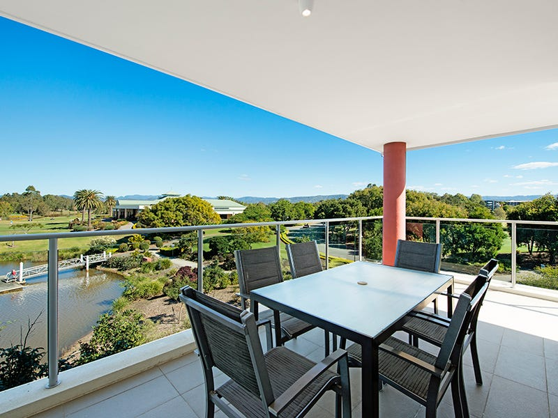 235/135 Lakelands Drive, Merrimac, Qld 4226
