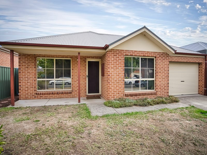19 Parbury Avenue, Lake Gardens, Vic 3355