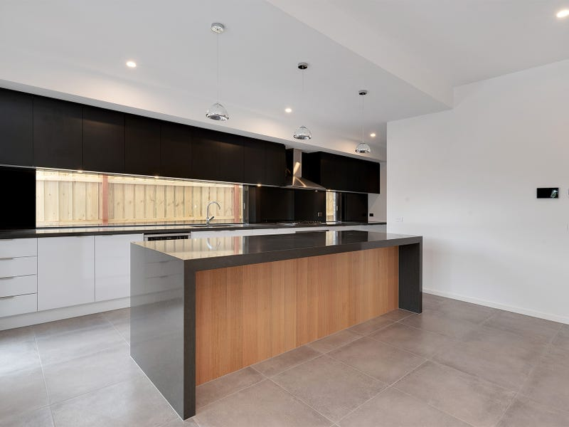 18B East View  Crescent, Bentleigh East, Vic 3165