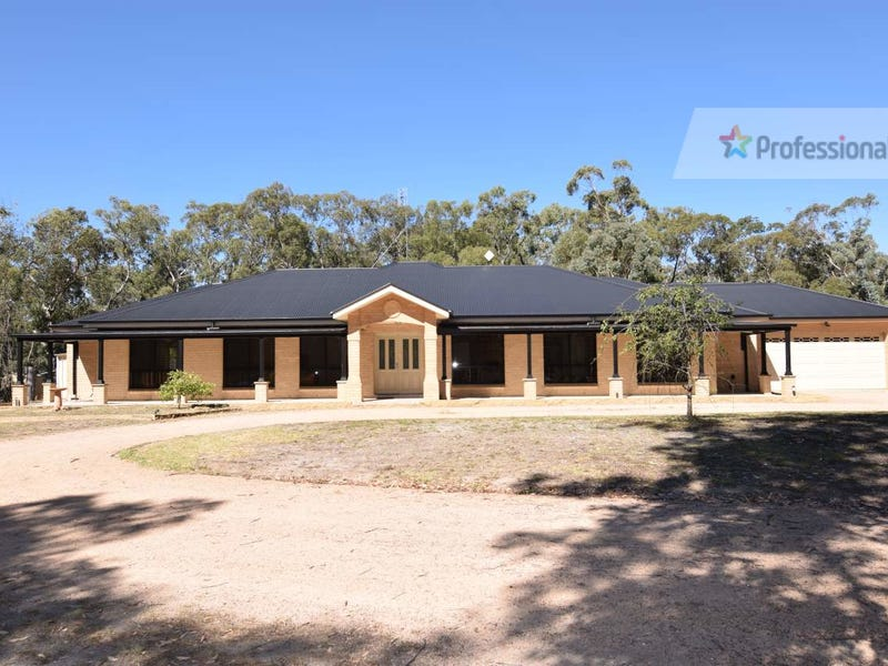 14 Borrow Pit Road, Meadow Flat, NSW 2795