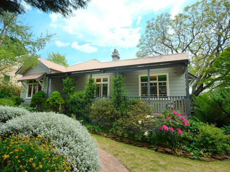 4 Westbourne Avenue, Wentworth Falls, NSW 2782