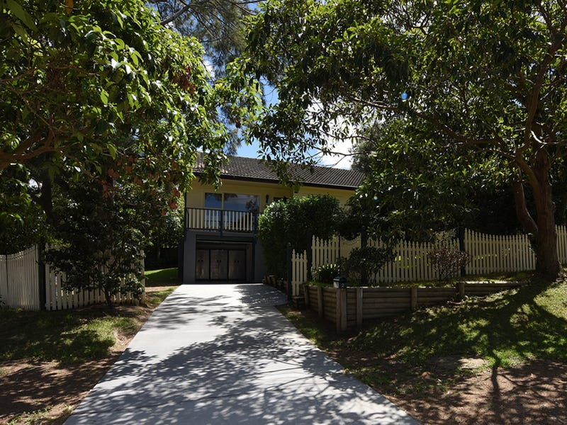 2 Lakeview Parade, Warriewood