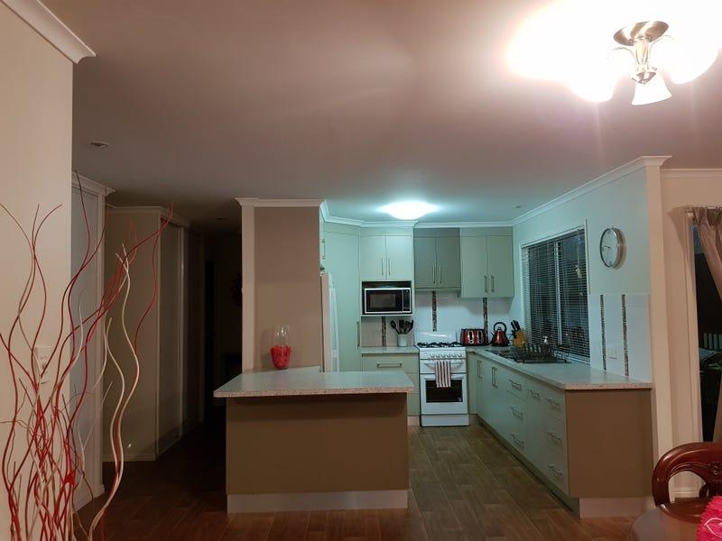 17 Violet Crescent, Maroondan, Qld 4671