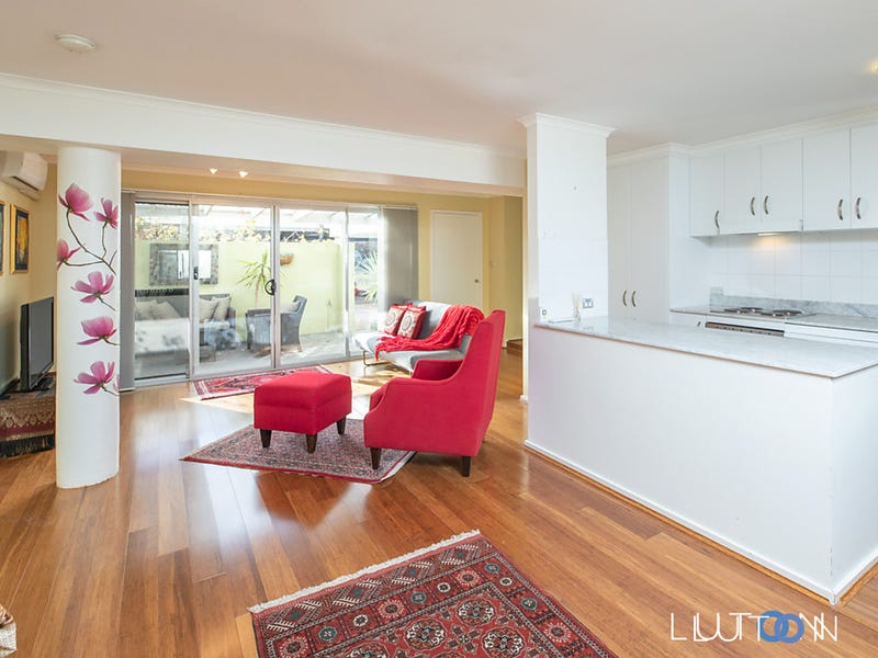 1/14-16 Discovery Street, Red Hill
