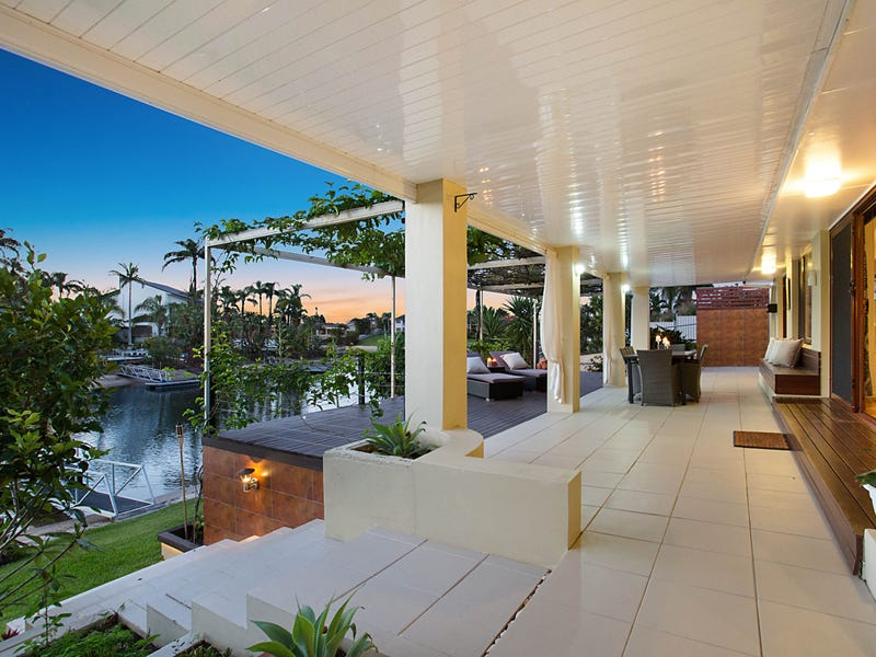 90 Campbell Street, Sorrento, Qld 4217