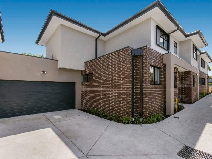 2/34 McComas Grove, Burwood, Vic 3125