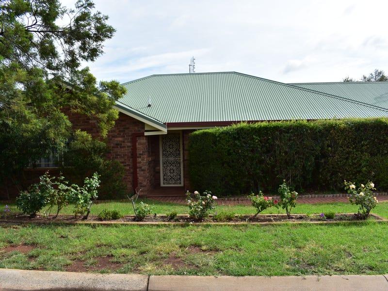 1/ 2-4 Christina Close, Parkes, NSW 2870