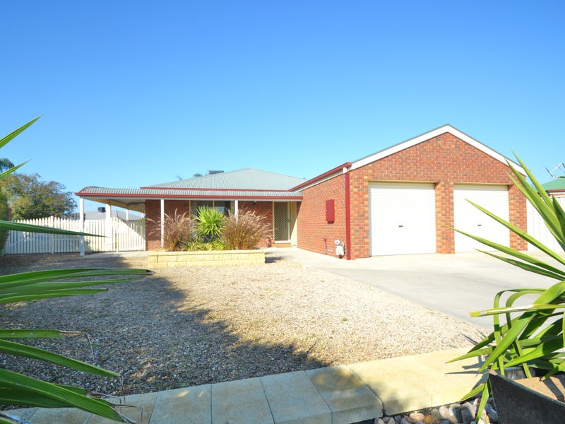 11 Charlton Court, Echuca, Vic 3564