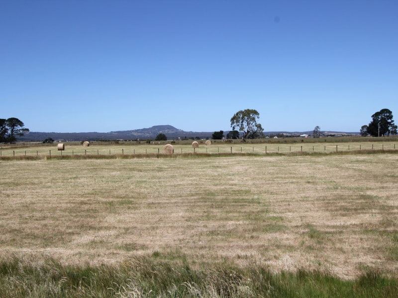 Lot 2 Brays Road, Cambrian Hill, Vic 3352