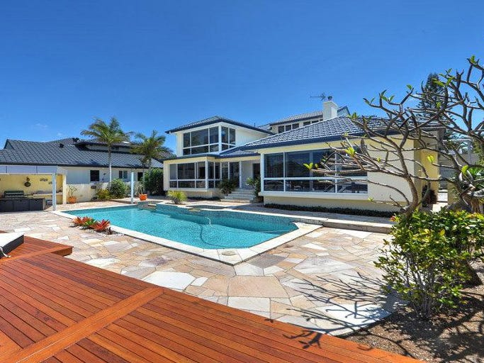 2 Royal Mews, Sovereign Islands, Qld 4216