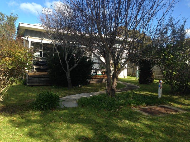 24 maurice ave, Mallacoota, Vic 3892