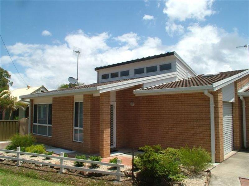2/174 Tuggerawong Road, Wyongah, NSW 2259