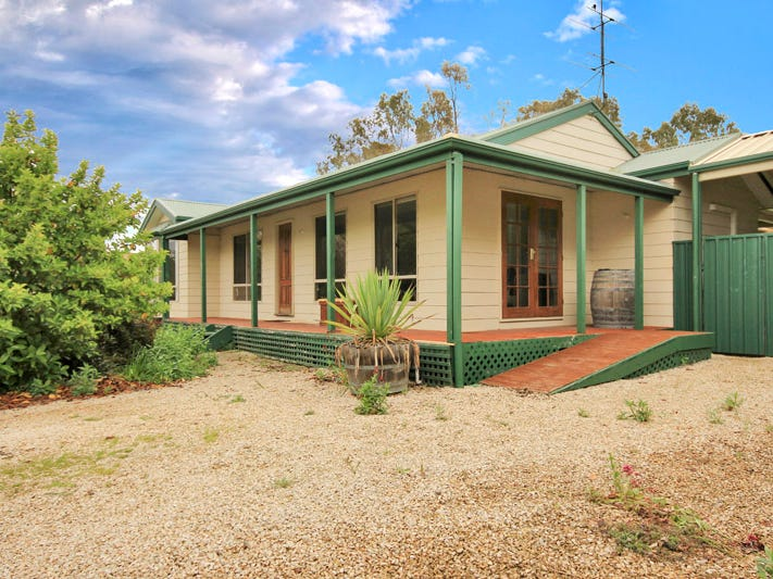 16 West Road, Watervale, SA 5452