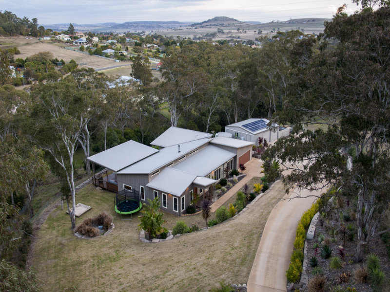 3 Lowe Court, Top Camp, Qld 4350