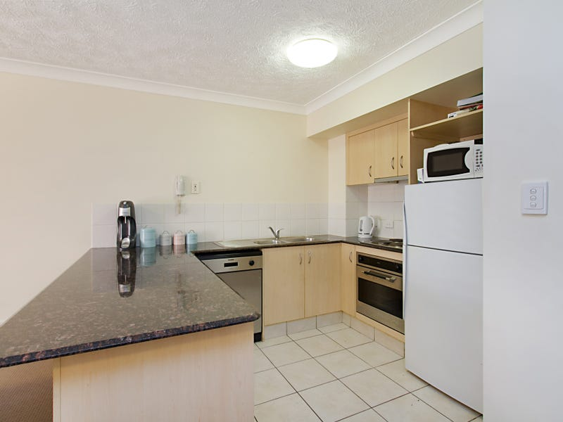 2/61 North Street, Southport, Qld 4215