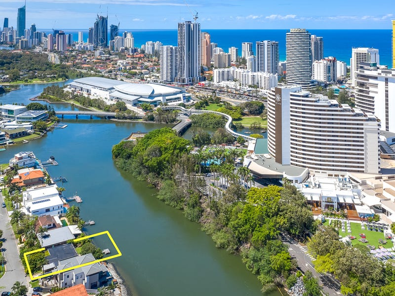 4 Lakeland Key, Broadbeach Waters, Qld 4218
