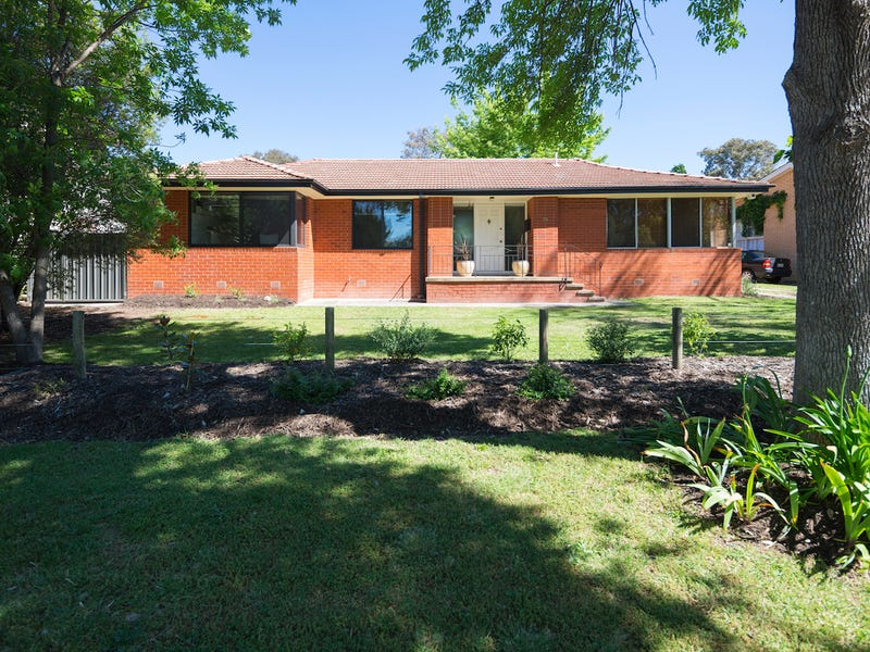 39 Maclaurin Crescent, Chifley, ACT 2606