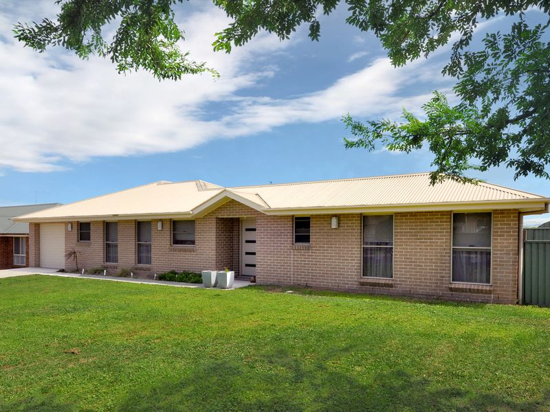 2A James Barnet Drive, Laffing Waters, NSW 2795