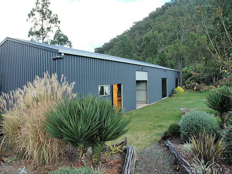 1882 Wollombi Road, Sweetmans Creek, NSW 2325