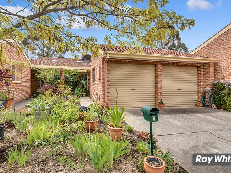8 Nairn Place, Macquarie, ACT 2614