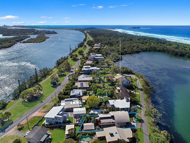 7 Wommin Lake Cres, Fingal Head, NSW 2487