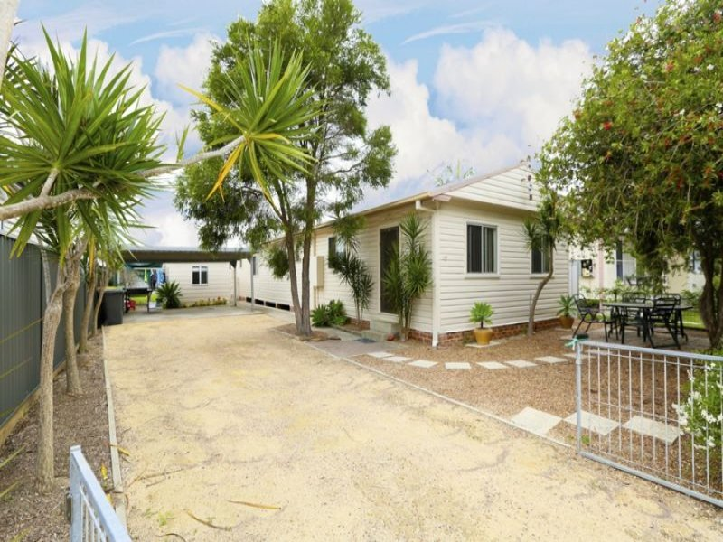 18 Haddon Crescent, Marks Point, NSW 2280