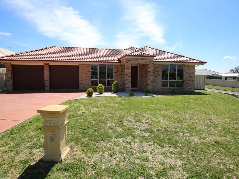 44 JONATHON ROAD, Orange, NSW 2800