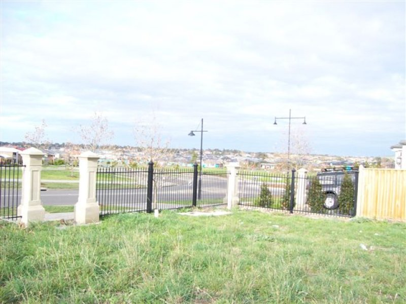 6 Windrock Avenue, Craigieburn, Vic 3064