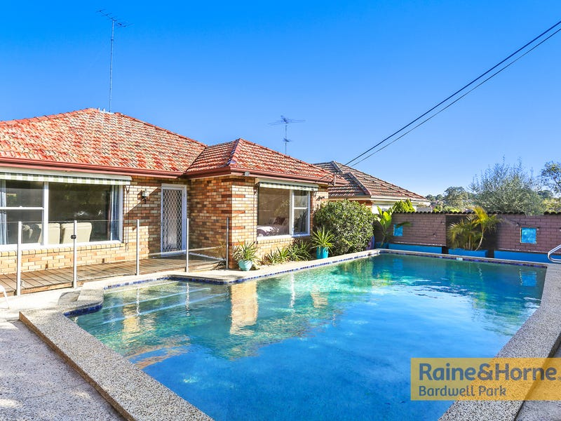 12 Kerry Crescent, Roselands, NSW 2196