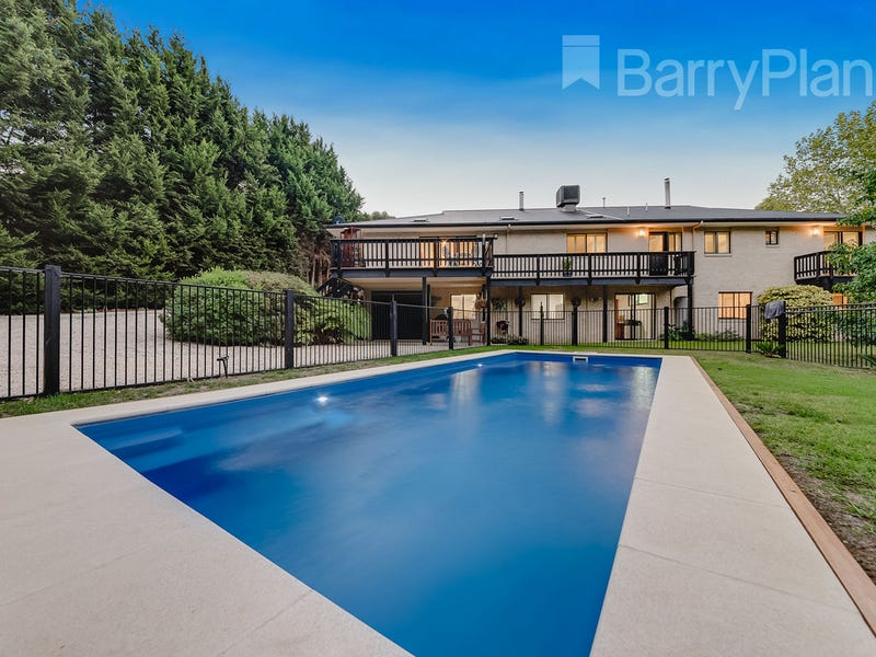 12 Pine Grove, Warragul, Vic 3820