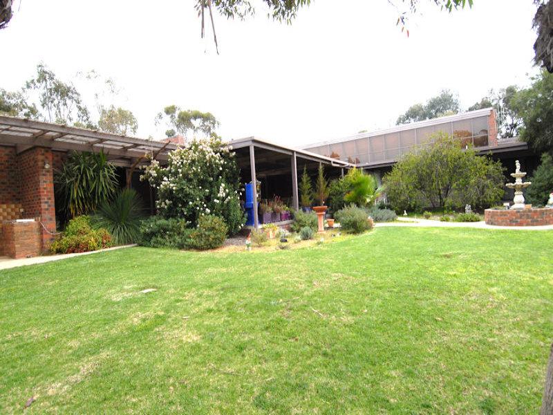 185-197 Henry Street, Deniliquin, NSW 2710
