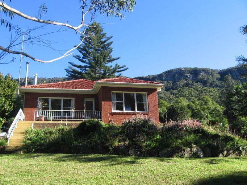 15 Buttenshaw Dr, Coledale, NSW 2515
