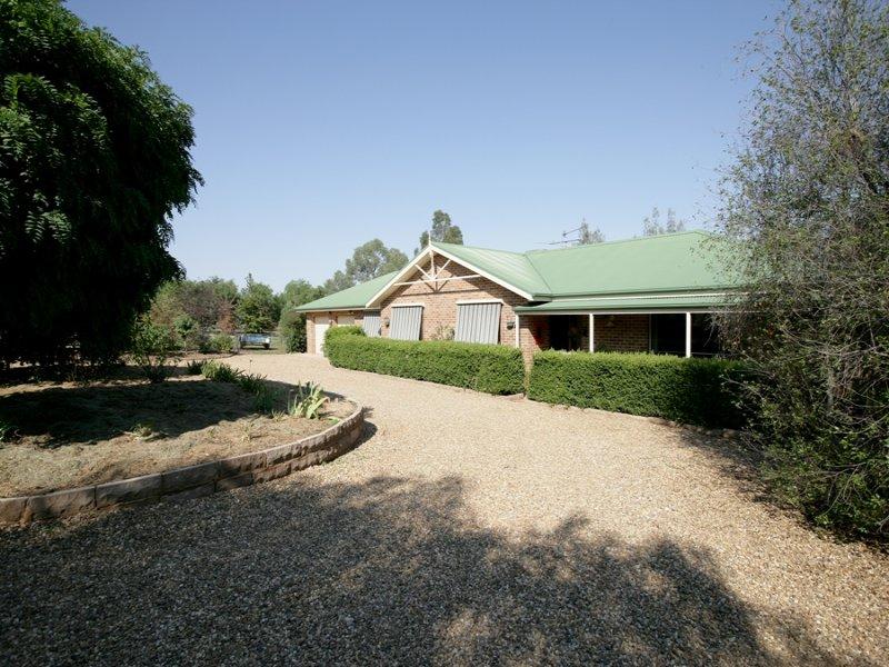 8 Kapooka Road, San Isidore, NSW 2650