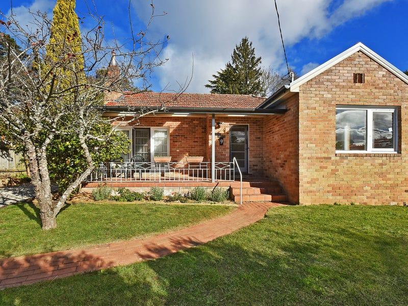9 Birdwood Avenue, Katoomba, NSW 2780