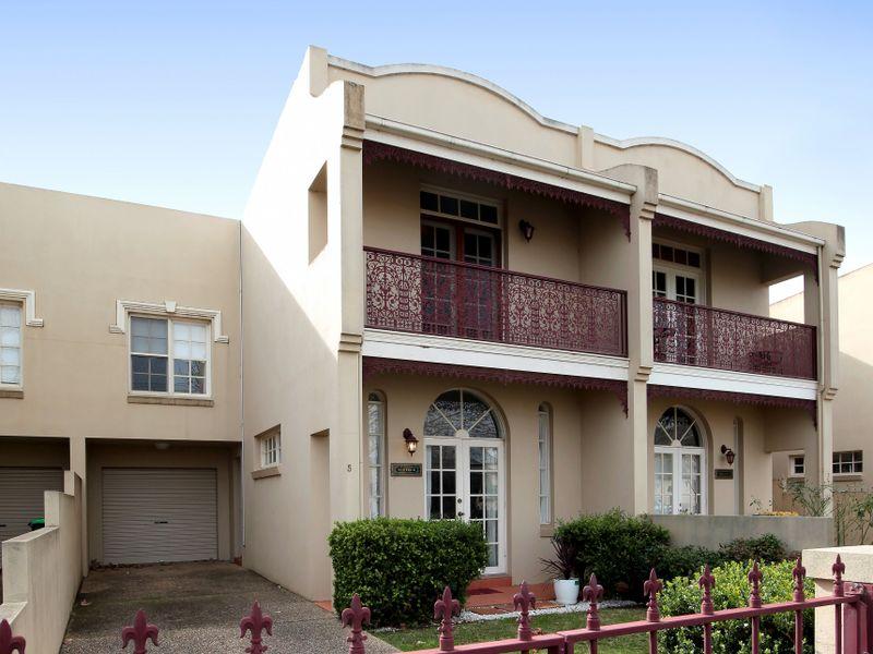 5 Crampton Street, Wagga Wagga, NSW 2650