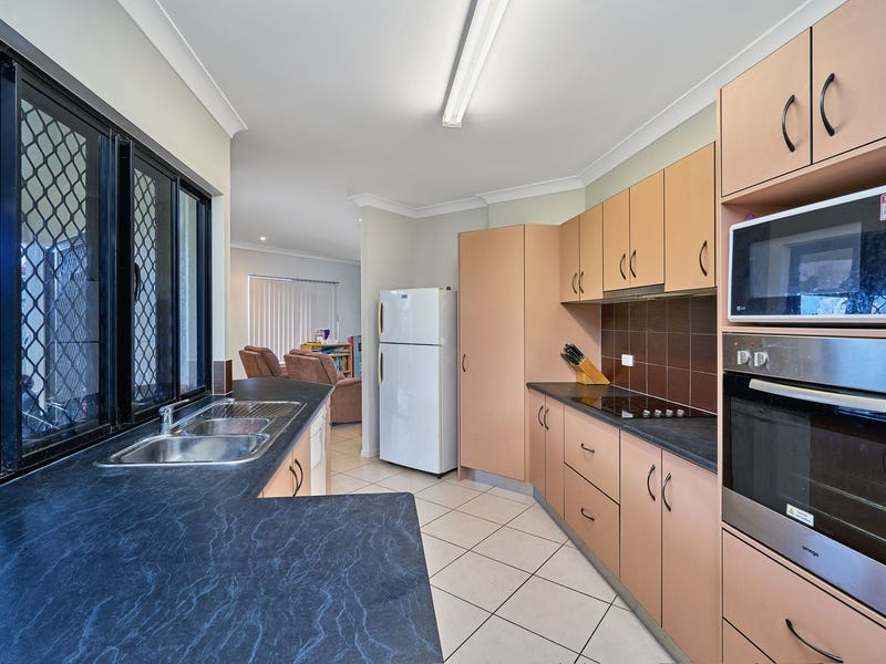 25 Roderick Street, Bentley Park, Qld 4869