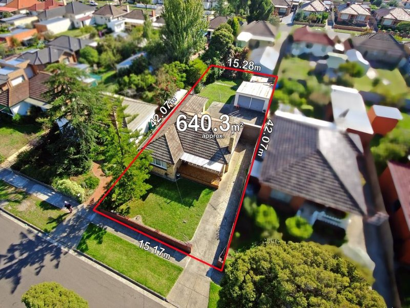 16 Travers Street, Thomastown, Vic 3074