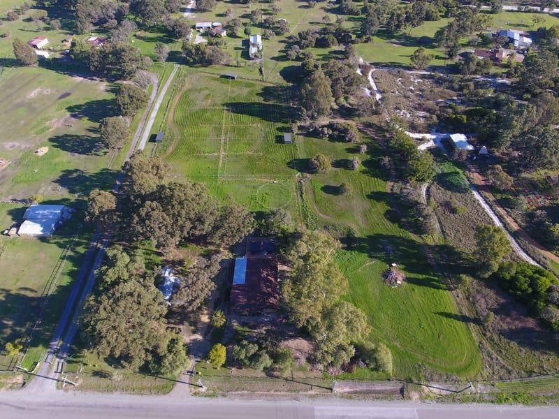160 McNeill Road, Champion Lakes, WA 6111