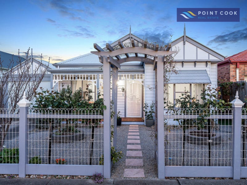 30 Beaumont Drive, Point Cook, Vic 3030
