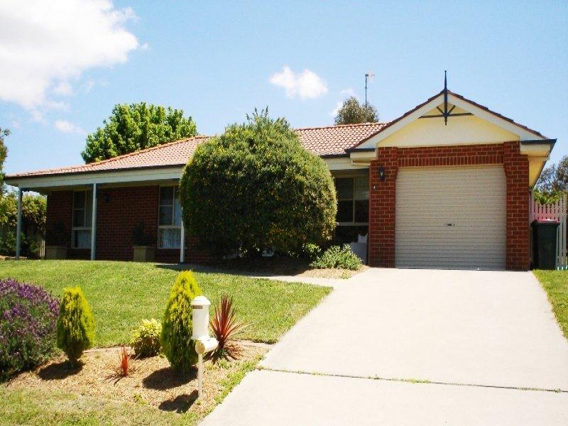 32 Freestone Way, Bathurst, NSW 2795