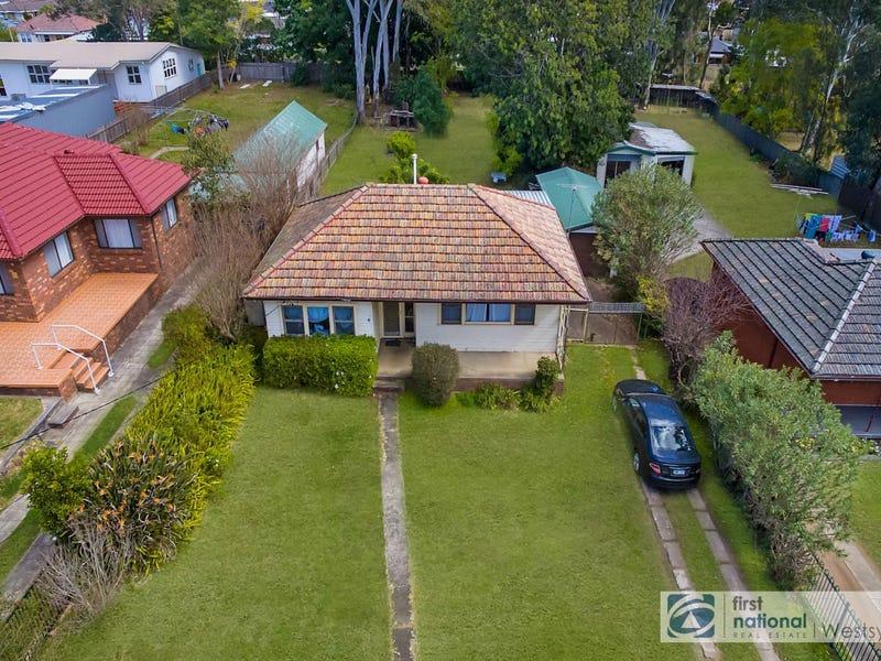 6 Lamonerie Street, Toongabbie, NSW 2146