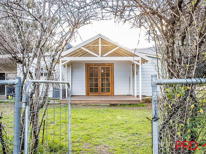 84 Davis Street, Currabubula, NSW 2342