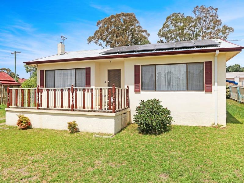 18 Garfield Avenue, Goulburn, NSW 2580
