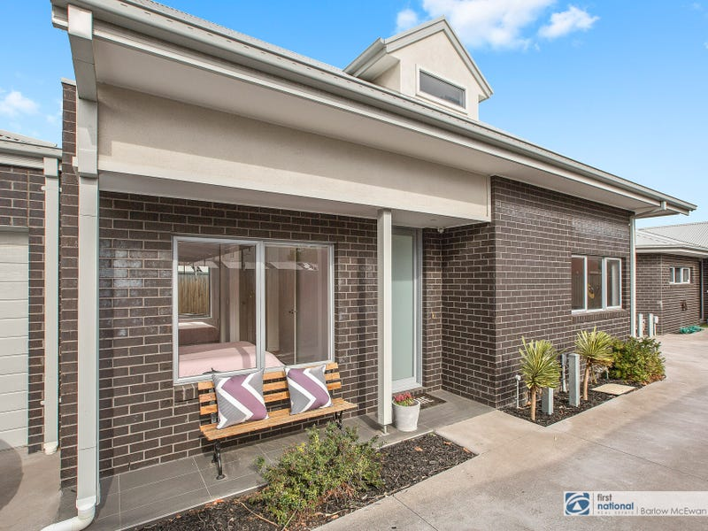 2/222 Civic Parade, Altona, Vic 3018