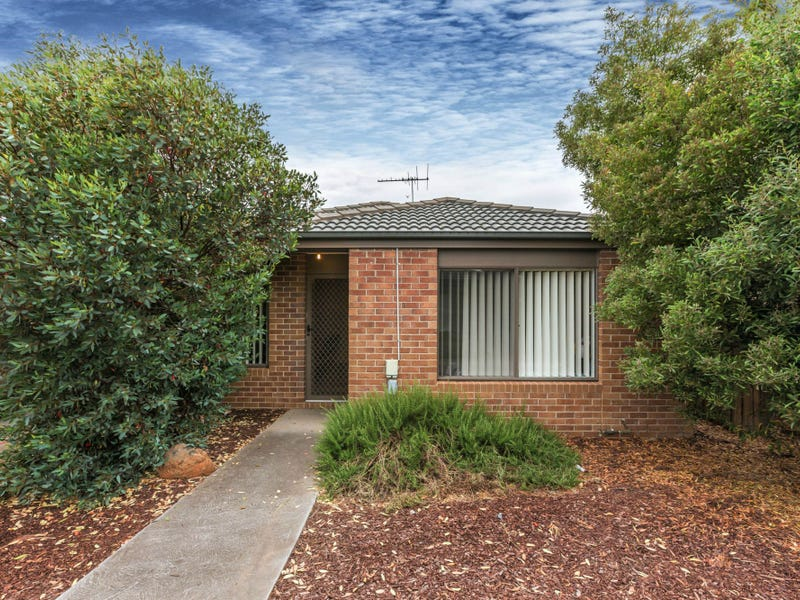 14/4 Austin Place, Melton South, Vic 3338