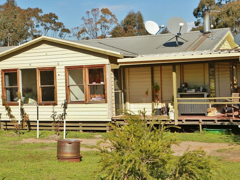 40 Plonk Gully Track, Redcastle, Vic 3523