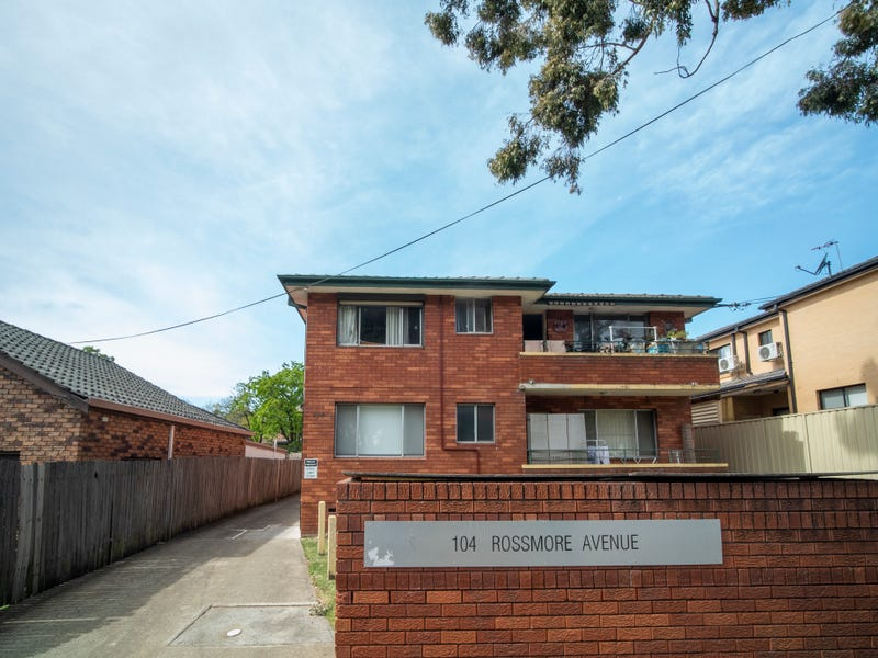 4/104 Rossmore Avenue, Punchbowl, NSW 2196