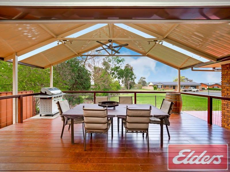 26 BLAXLAND AVENUE, Luddenham, NSW 2745