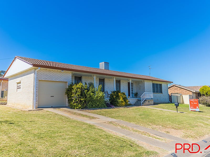 11 Quambi Street, Tamworth, NSW 2340