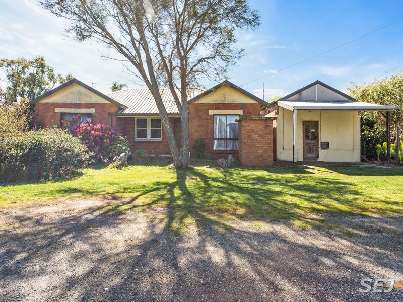 2378 Willow Grove Road, Hill End, Vic 3825